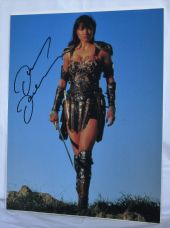 "A635LLX LUCY LAWLESS - ""XENA"" SIGNED PHOTO"
